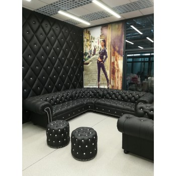 Chesterfield banquettes